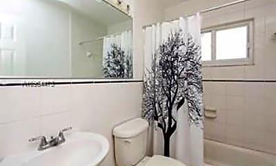 Bathroom, 549 Meridian Ave, 2
