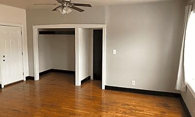 Bedroom, 4354 N Elston Ave, 1