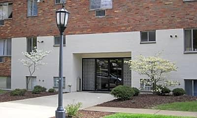 Building, 708 McKnight Cir, 2