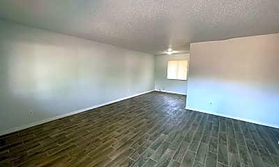 Living Room, 709 31st Ave E, 1