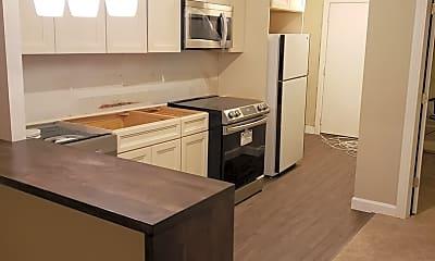 Kitchen, 642 N Dearborn St 4, 1