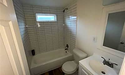 Bathroom, 1420 E 6th St, 2
