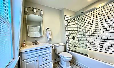 Bathroom, 351 Marlborough St, 2