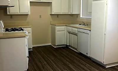 Kitchen, 16461 Apple Valley Rd, 1
