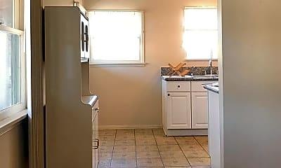 Kitchen, 1820 Hillhurst Ave, 0
