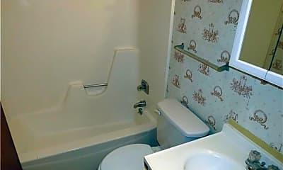 Bathroom, 117 W Avenue A 1, 2