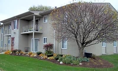 Allen Pointe Apartments, 1