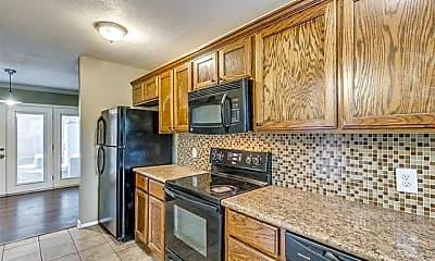 Kitchen, 2201 Park Hill Dr, 2