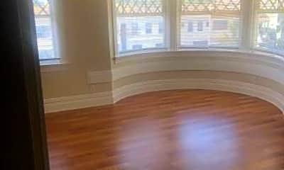 Living Room, 514 W MacArthur Blvd, 0