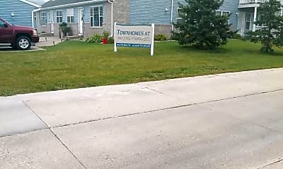 Townhomes at Charleswood, 1