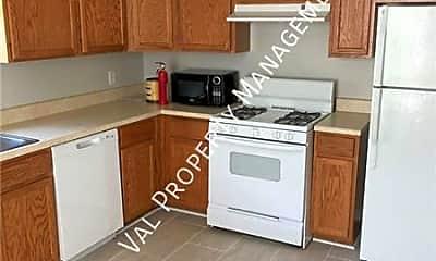 Kitchen, 3935 Aspen St, 1