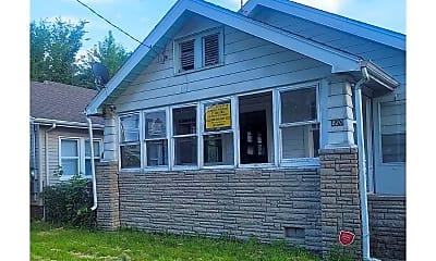 Building, 810 E Corrington Ave, 0
