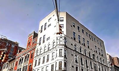 Building, 131 E 83rd St, 2