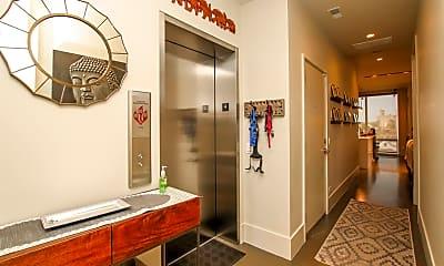 Bathroom, 2015 W Armitage Ave 4, 1