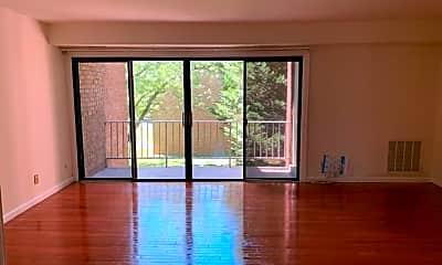 Living Room, 6038 Westchester Park, 0
