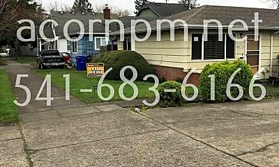 Community Signage, 9149 NE Glisan St, 1