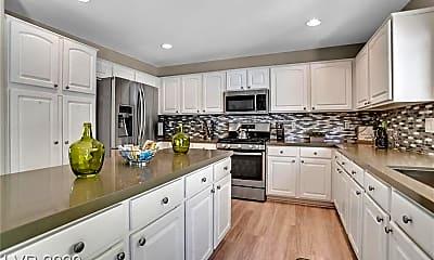Kitchen, 2735 Peekskill Ave, 1