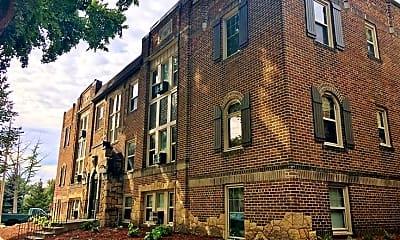 Building, Garfield Avenue Apartments, 0