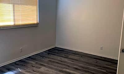 Living Room, 1131 E Garvey Ave N, 2