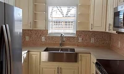 Kitchen, 5016 I-35E F, 0