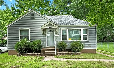 Building, 7916 Underhill Dr, 0