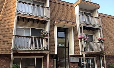 Tatar Condominiums of Chicago Ridge, 2
