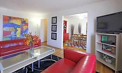 Living Room, Oak Ridge Apartment, 1