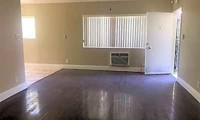 Living Room, 18325 Malden St, 2