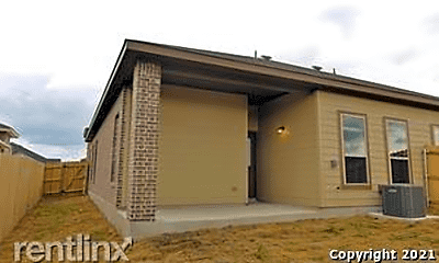 Building, 362 Creekside Curve, 2