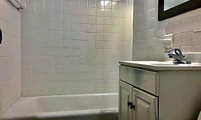 Bathroom, 801 N Broad St, 2