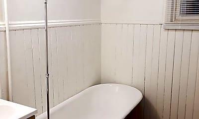 Bathroom, 1901 E Superior St, 2