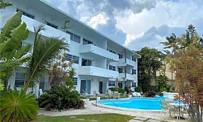Pool, 11950 N Bayshore Dr, 0