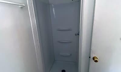 Bathroom, 311 S Prairie St, 2