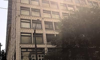 Sixth & Pine Apartments LLC, 2