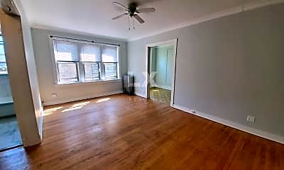 Bedroom, 4615 N Lincoln Ave, 1