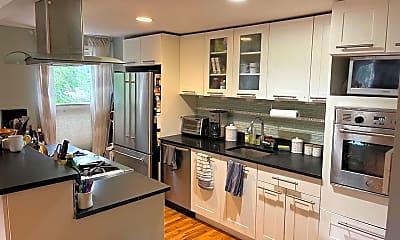 Kitchen, 224 3rd St 1, 1