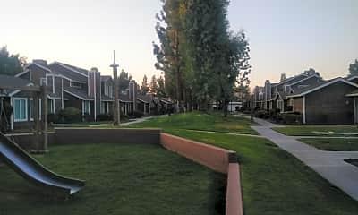 Laurelglen Square, 2