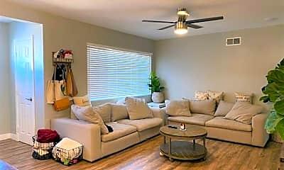 Living Room, 709 Goldenrod St, 1