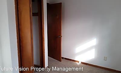 Bedroom, 323 S Hebbard St, 2