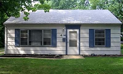 Building, 414 Fairview Dr, 2
