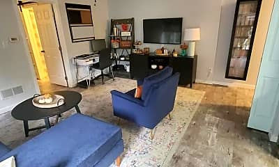 Living Room, 4310 Eastview Ln, 0