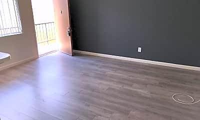 Living Room, 2120 Vanderbilt Ln, 1