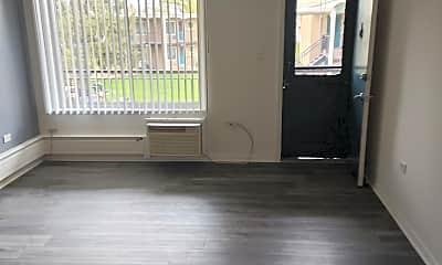 Living Room, 603 E Prospect Ave, 1