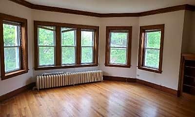 Living Room, 4542 N Kilbourn Ave, 2