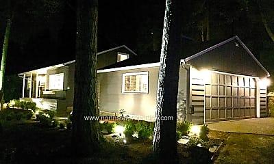 Kitchen, 845 Lake Forest Dr, 2