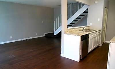 Kitchen, 804 Tiffany Dr W, 1