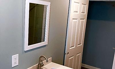 Bathroom, 617 S 3rd St, 1