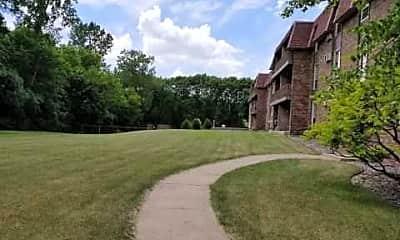 Building, Cedarwood West Apartments, 2