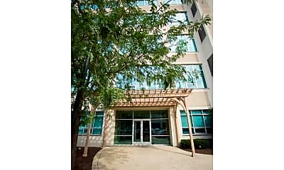 Building, 9 N 9th St 602, 1