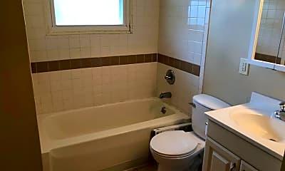 Bathroom, 24 Norwood Ave, 2